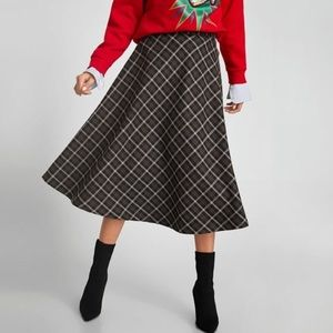Zara Woman plaid midi skirt (XS) 🍂